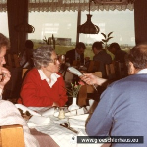 """Käthe Löwenberg-Gröschler am 26. April 1984 beim Interview im """"Wattkieker"""" in Harlesiel"""