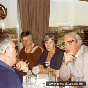 """Gerry und Frieda Sternberg, Helen und Frank Gale (aka Fritz Gröschler) am 26. April 1984 im """"Wattkieker"""" in Harlesiel"""