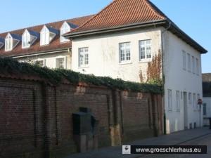 Das ehemalige Gefängnis und das Mahnmal für die ermordeten Juden Jevers an der Frl. Marienstraße (Foto von 2015)