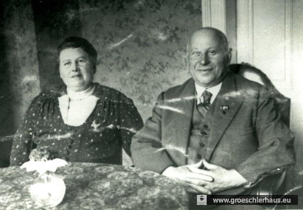 Max Solmitz (1879 – 1943 Theresienstadt) und Paula Solmitz geb. Baum (1886 – 1944 Auschwitz) um 1938 in ihrer Oldenburger Wohnung bei Max Bollegraf. Archiv H. Peters
