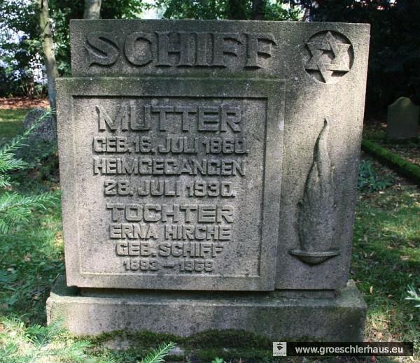 Grabstein von 1959 für Erna Hirche geb. Schiff (1893 – 1959) und ihre Mutter Alice Schiff geb. Cohn (1860 – 1930) (Foto M. Schmid, 2011)