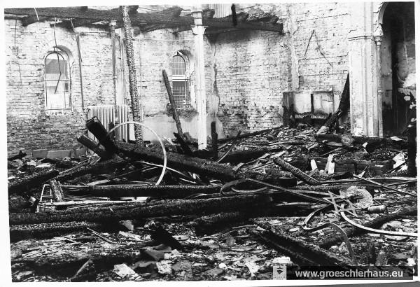 Der ausgebrannte Innenraum der Synagoge am 10. November 1938 (Archiv H. Peters)