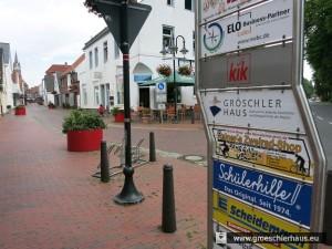 """Das Werbeschild """"Lange Meile"""" am Anfang der Gr. Wasserpfortstraße"""