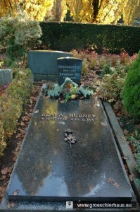 Grab von Hermann und Johanne Titz, geborene Weinberg, und Klara Hübner auf dem evangelisch-lutherischen Friedhof in Varel, Oldenburger Str. (Foto: Frerichs)
