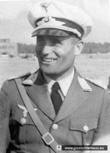 Major Hermann Edert, ca. 1937 auf dem Flugfeld von Upjever (Archiv H. Peters)